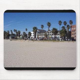 Baterías de la playa de Venecia Alfombrillas De Ratones