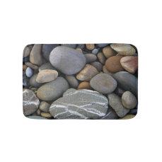 Bath mat with pebbles