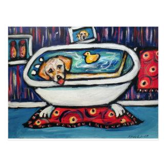 Bathtime feliz amarillo de Labrador Tarjetas Postales