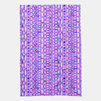 Batik tribal - sombras de la púrpura violeta toalla de mano