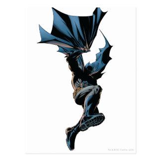 Batman que salta abajo de tiro de la acción postal