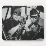 Batman y petirrojo en Batmobile Tapetes De Ratones