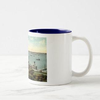 Battery Park Aquarium NY 1920 Vintage Two-Tone Coffee Mug