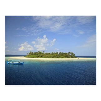 Baughagello Island, South Huvadhoo Atoll, Postcard