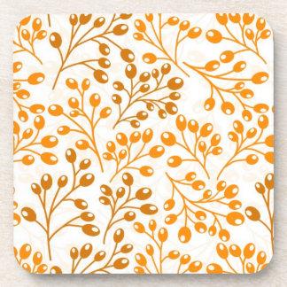 Bayas anaranjadas lindas del otoño posavaso