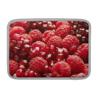 Bayas rojas sanas y nutritivas funda para macbook air