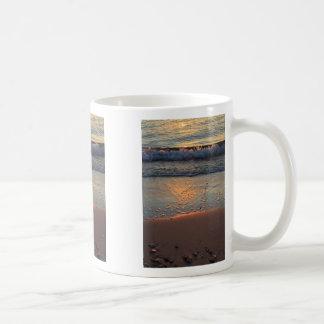 beach and waves... coffee mug
