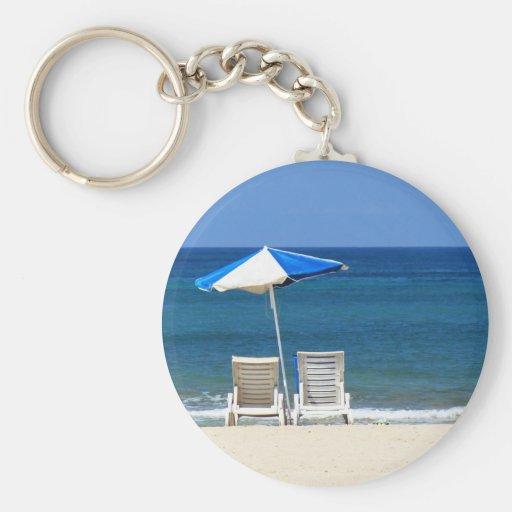 Beach chairs basic round button keychain