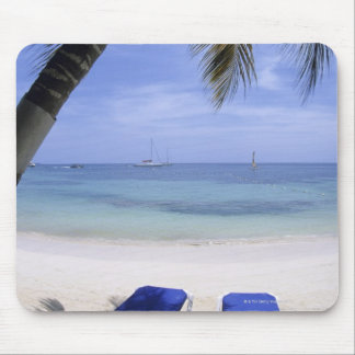 Beach, Lounge Chair, Palm tree, Horizon Over Mouse Pad