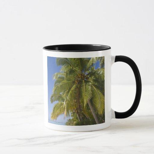 Beach on One Foot island, Aitutaki, Cook Islands Mug