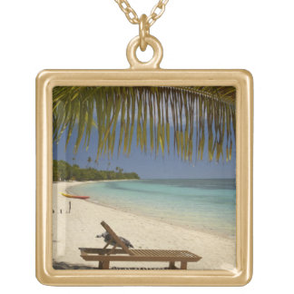 Beach, palm trees & lounger jewelry