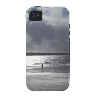 Beach Scene with people Walking iPhone 4/4S Cover