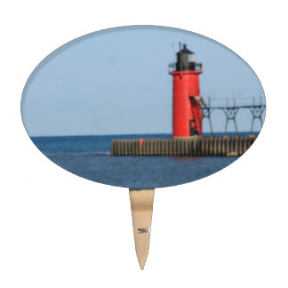 Beach scene with seagulls and lighthouse cake toppers