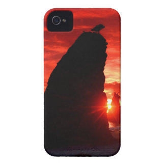 Beach Sea Stacks Knife Blood Red Sky Case-Mate iPhone 4 Cases