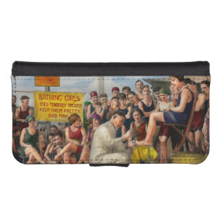 Beach - Toes Tenderly Treated 1922 iPhone SE/5/5s Wallet