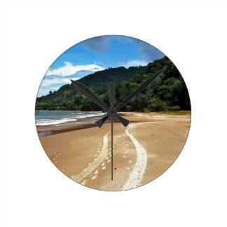 beach tracks round clock