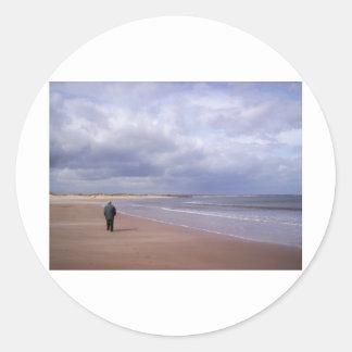 Beach walk classic round sticker