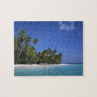 Beach with palm trees, Maldives Puzzle