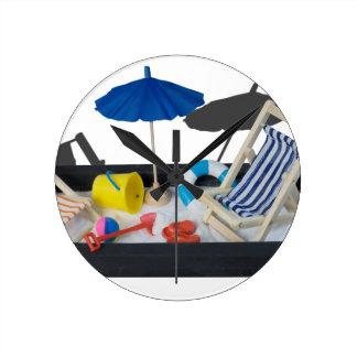 BeachChairsUmbrellaBucketPail011815.png Round Clock