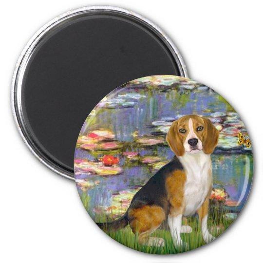 Beagle 7 - Lilies 2 Magnet