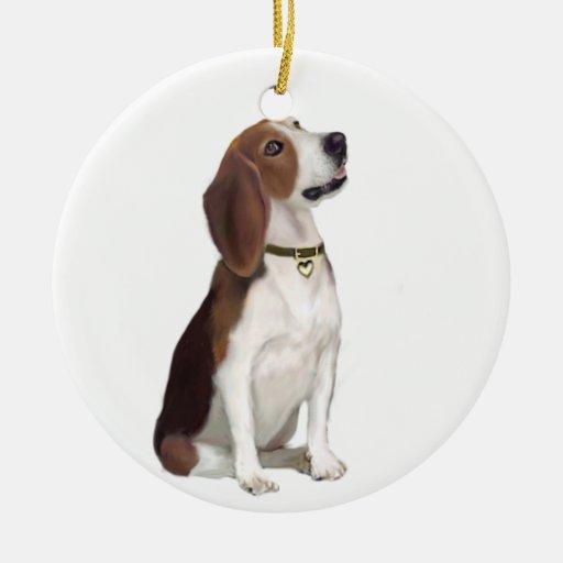 Beagle (B) - Looking up Christmas Ornaments