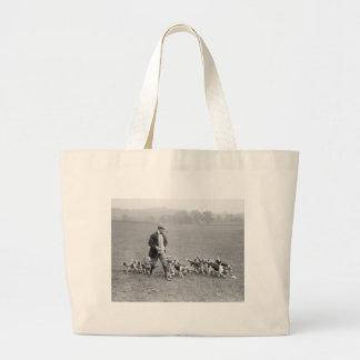 Beagle Club, 1914 Large Tote Bag