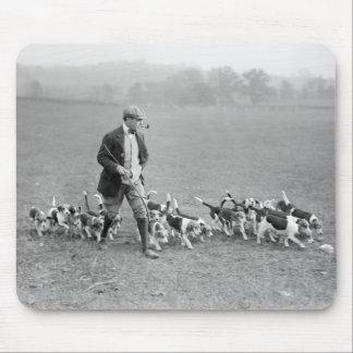 Beagle Club, 1914 Mouse Pad