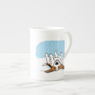 Beagle de la nieve taza de porcelana