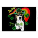 Beagle del día de St Patrick Felicitación