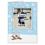 Beagle en la plantilla de la foto del día de tarjeta