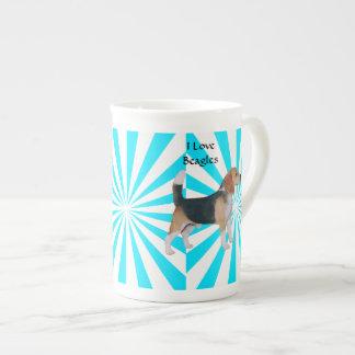 Beagle en molinillo de viento de la turquesa taza de porcelana