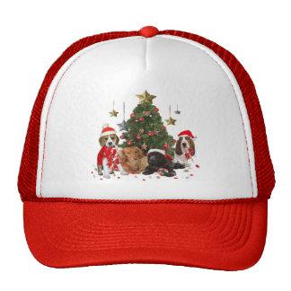 Beagle Santa y regalos de los amigos Gorros Bordados