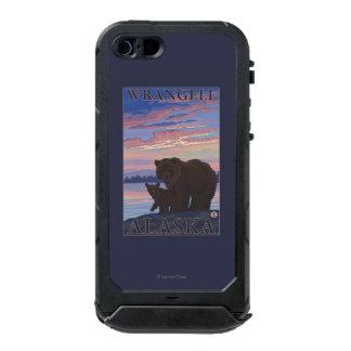 Bear and Cub - Wrangell, Alaska Waterproof Case For iPhone SE/5/5s