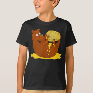 Bear eating from a beehive T-Shirt