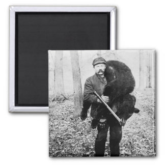 Bear hunter, 1909 2 inch square magnet
