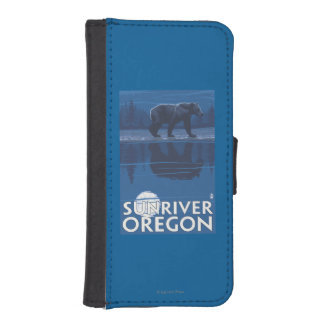 Bear in Moonlight - Sun River, Oregon Phone Wallet Case