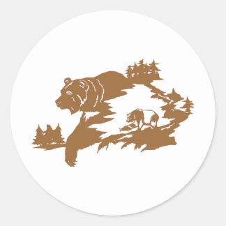 BEAR SCENE ROUND STICKER