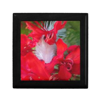 Beautiful Alien Crimson Small Tile Gift Box