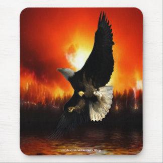 BEAUTIFUL BALD EAGLE & FOREST FIRE Mousepad