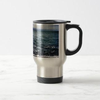 Beautiful blue waves travel mug