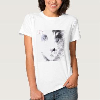 Beautiful cat face image. T-Shirt