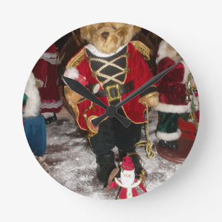Beautiful Christmas gifts cards picture.JPG Round Clock