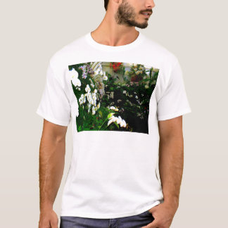 Beautiful display or exotic orchids growing T-Shirt