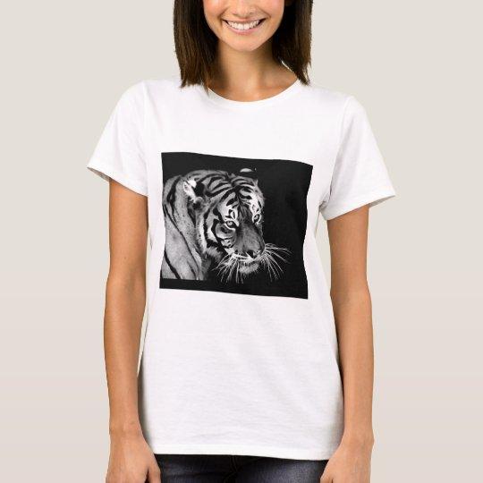 Beautiful dramatic Tiger T-Shirt