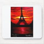 BEAUTIFUL EIFFEL TOWER PARIS FRANCE AT SUNSET MOUSEPAD