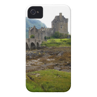 Beautiful Eileen Donan Castle in Western Dornie 2 Case-Mate iPhone 4 Case