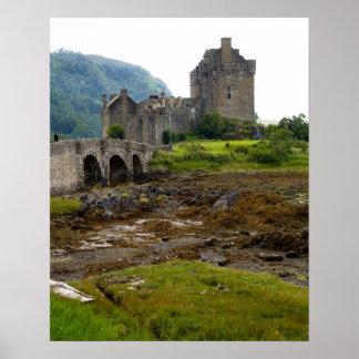 Beautiful Eileen Donan Castle in Western Dornie 2 Poster
