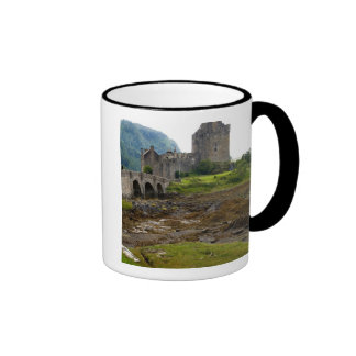 Beautiful Eileen Donan Castle in Western Dornie 2 Ringer Mug