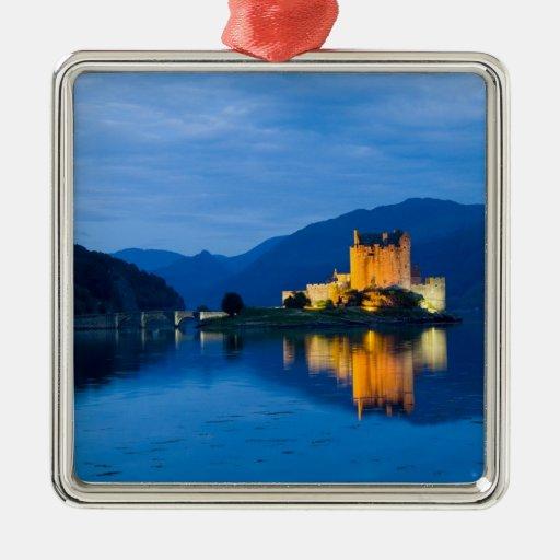 Beautiful Eileen Donan Castle in Western Dornie Metal Ornament