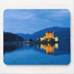 Beautiful Eileen Donan Castle in Western Dornie Mouse Pad